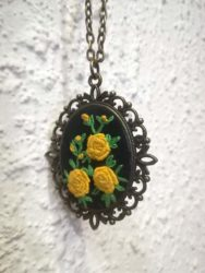 Embroidery necklace, N1